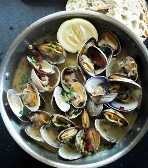 Beer Steamed Clams | Cooking Mamas