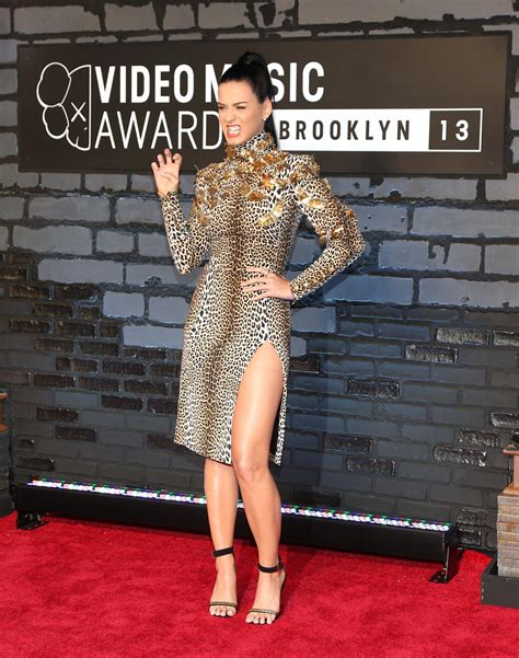 Female Celebrities Reveal Weight: Beyoncé, Blake Lively