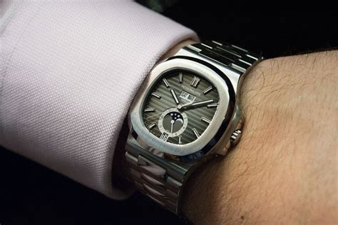 Patek Philippe Nautilus is the Ultimate Sports Watch – Review